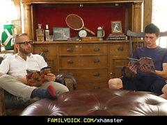 FamilyDick - Makea vanhempi isä ponnahtaa neitsyt pojat Che