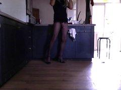 Su mariquita slutty ama de casa waitin para u en la cocina!