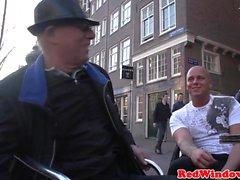 В режиме реального Грудастая голландской Hooker doggystyled камеры