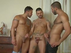 heta gay threesome