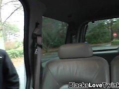 Homosexuell Twink reitet schwarzen Kerl