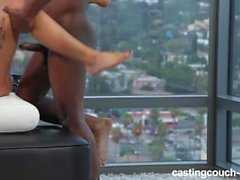 Sevimli Amatör Haziran, Cast-Klouch-HD'de Büyük Siyah Cock'u Ediyor