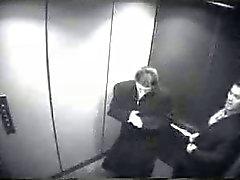Blasen im Fahrstuhl