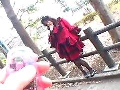 Busty aasialainen pornotähti mustat sukat ratsastaa jäykkä tykki