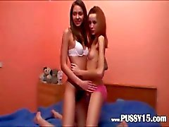 Dansen en de vagina likken voor een webcam