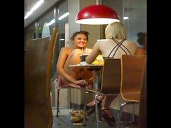 Gaja boa upskirt fångad på McDonalds!