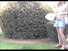 Magnífico aficionado adolescente rubia en acción POV