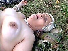 Anneanne BBW Lezbiyenler Piknik Birbirimize yiyin
