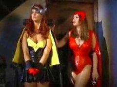 Batgirl transformée en salope par scarlet witch.mp4