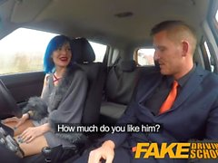 Fake Driving School Anaalinen sukupuoli ja kasvohoito takaavat ajokokeen