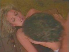 Виктория Paris Тианна Чесси Moore в классическом порно сайт