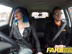 Escuela de conducción falsa Sexo anal en POV Gloria