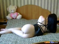 La plus chaude jeune amatrice néerlandaise de 19 ans se masturbe sur la webcam