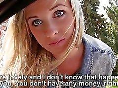 Carina teen bionda Vinna lamella del sesso per le denaro
