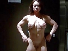 EroticMuscleVideos de banho suave e HardBody de BrandiMae