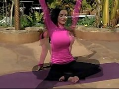 Denise Milani Shows Yoga - non nude