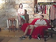 Two ragazzi nel riga di in Busty agente Whore