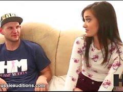 Hussie Audiciones - Tiny Big Butt Gia Paige en su primera audición real