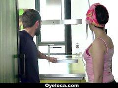 OyeLoca - Латинский очиститель Очищает номер дома и Cock !
