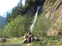Foda selvagem nas montanhas