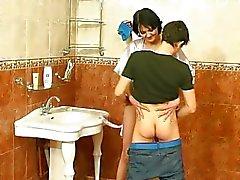 Banyoda Erkeğe lanet olgun kadın