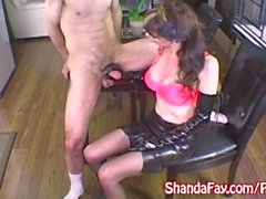 Con suocera Shanda ha Fay bella sega cazzo duro con guanti di lattice !