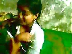 Reeja sowie Rakesh indischen College teens genießen Sie