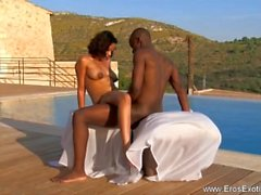 Afrikkalainen Tummaihoinen MILF ulkona Loversin