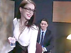 Anna de Ville anus knullade vid ett stort kuk i kontors