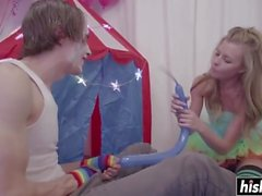 Il clown scopre Nicole Clitman molto duro