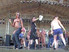 Big Boob contest maglietta bagnate maturi ad diminuire dello Iowa 2,014 mila