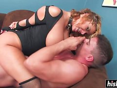 Shyla Stylez gets a pulsating shaft