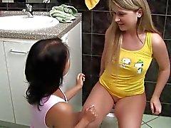 Adolescentes de Lisa ea Sandra agradarão maricas