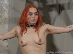 Lesbian punição jogo piercing e bdsm amador extremo de sujo Mary