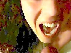 Gozo em uma boca linda
