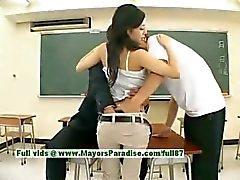 Sora Aoi onschuldige sexy Japanse student wordt geneukt in de klas