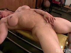 D'Alexis - DirtyMuscle - Grand de Clit de