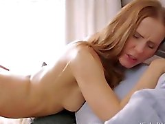 Julie and il suo fidanzato amano il sesso orali