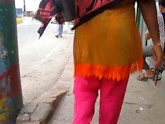 donne del Bangladesh da dietro