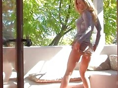 Heather Vandeven masturbates outside
