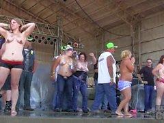 ragazze grandi concorso di sabato a ridurre 2.014 di Algona dell'Iowa motociclista comizio