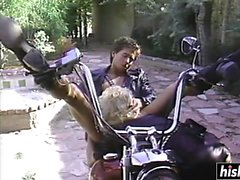 Blonde slut scopata da un motociclista