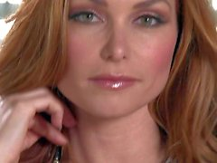 Have fun with Heather Vandeven playing with herself