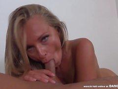 Ivana Sugar tem orgasmos rígidos surpreendentes