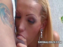 No Sound: Shemale Bombshell Renata Mouthing A Cock