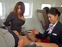 Japanse stewardess handjob - gecensureerd
