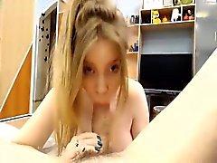 Серьезная горячая блондинка мощный Глубокий орал а минета