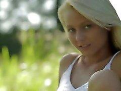 Blonde гламур по Швеция Эстония касаясь клитору