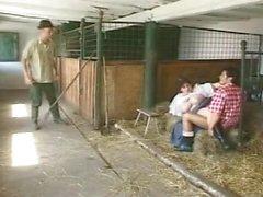 olga est BBW dans la grange