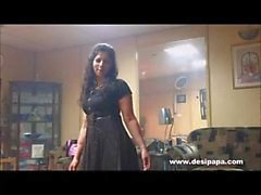 mujer india en la danza dormitorio para mi esposo que tomarle el pelo de hacer su humor sexo